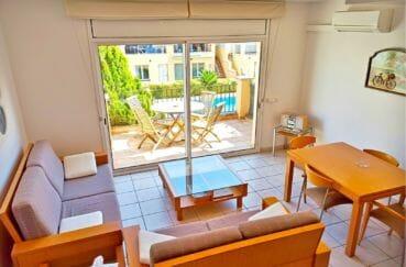 maison a vendre empuria brava, villa 5 pièces 176 m², salon avec terrass, vue sur la piscine
