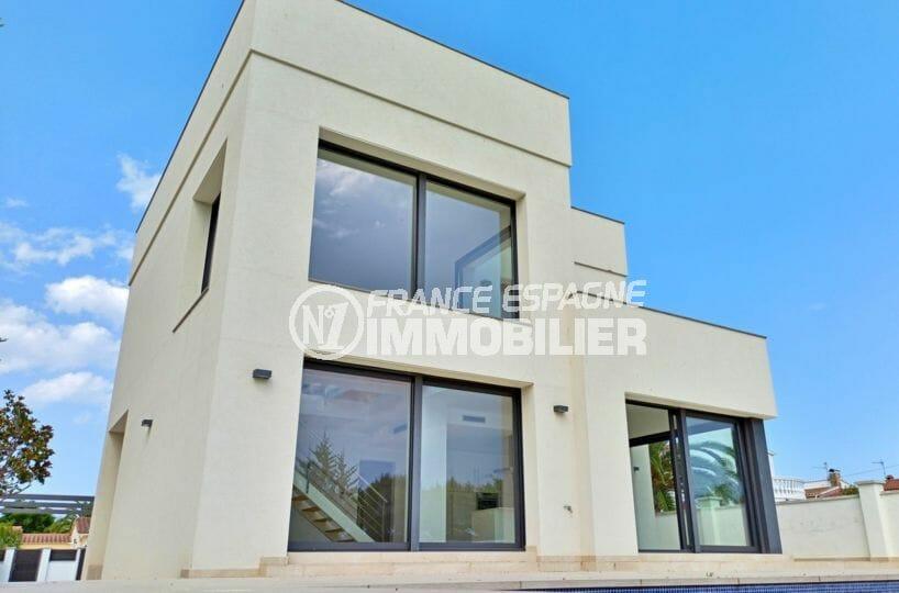 maison a vendre a empuriabrava avec amarre, 5 pièces 185 m² sur terrain 512 m²