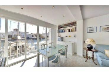 maison à vendre empuriabrava, 5 pièces 122 m², salon avec terrasse vue canal
