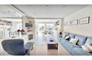 empuriabrava vente maison avec amarre, 5 pièces 122 m², salon, cheminée, terrasse vue canal