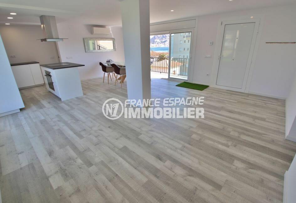 appartement à vendre à rosas espagne, 4 pièces 65 m², salon / séjour avec cuisine américaine