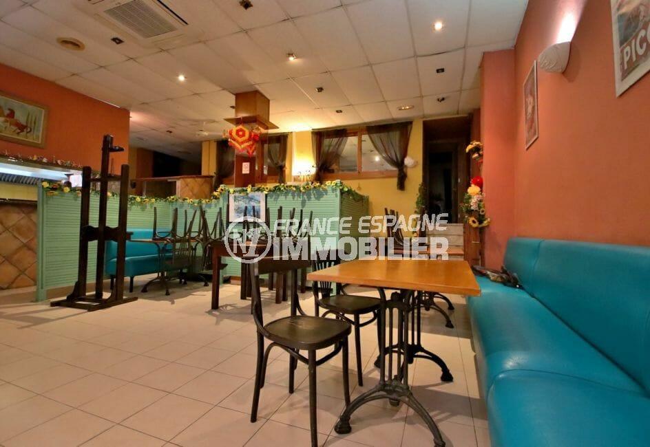 agence immobilière roses: commerce restaurant 141 m², salle principale, climatisation