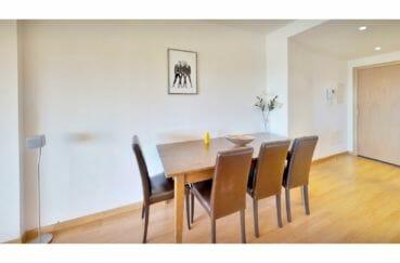 achat appartement rosas, 5 pièces 136 m², salle à manger coté hall d'entrée