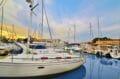 le port de roses et ses superbes bateaux à voile ou à moteur