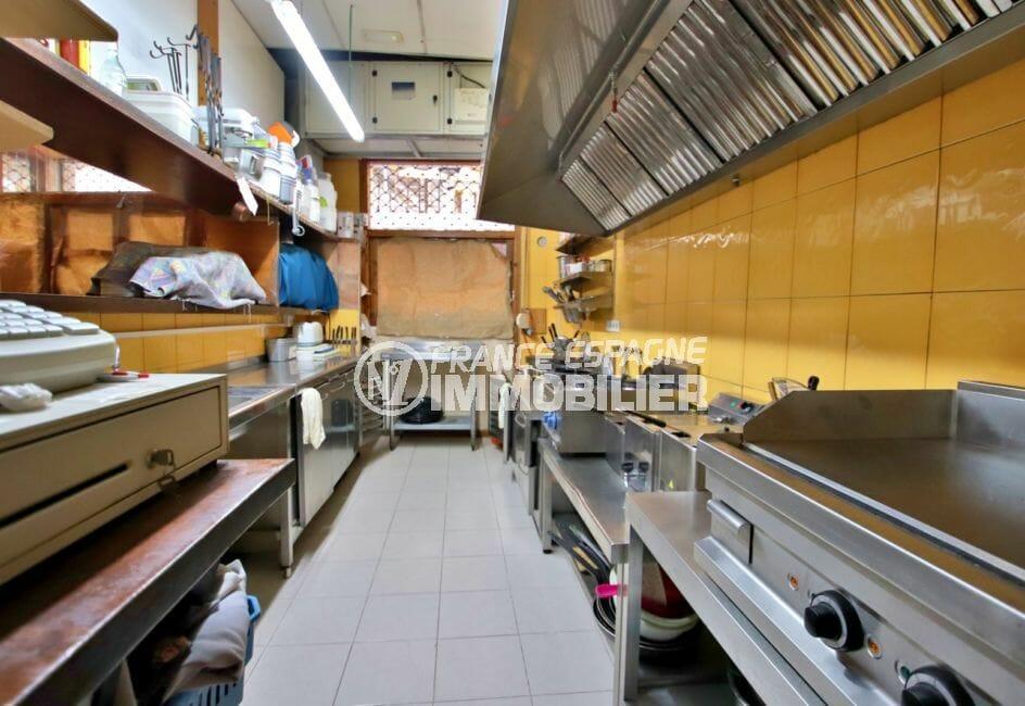 rosas immo: commerce restaurant 141 m², cuisine équipée et aux nouvelles normes