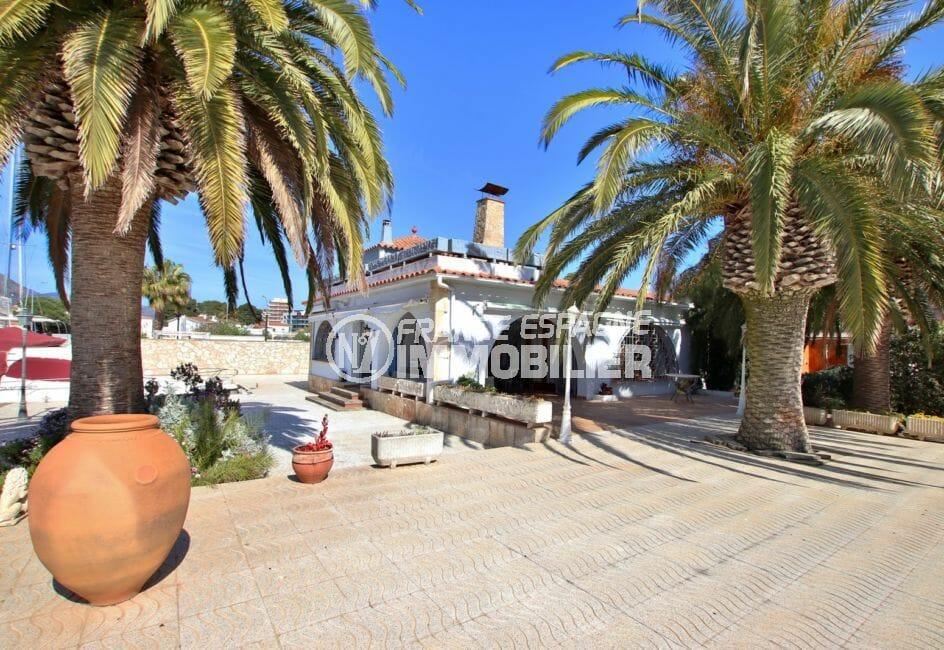 maison a vendre a rosas, villa 336 m² avec amarre, terrain 1063 m², piscine