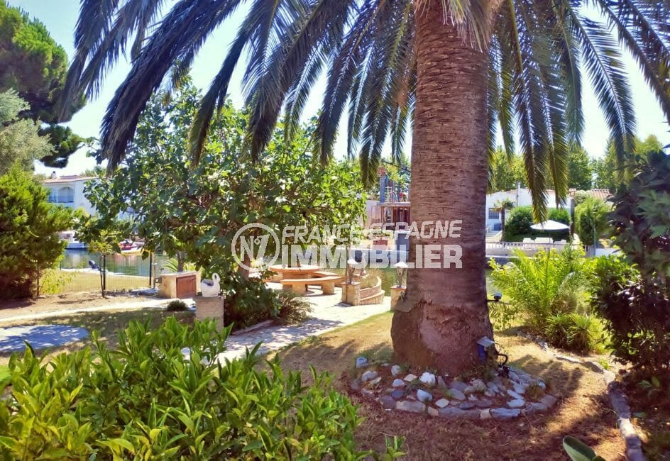 maison empuriabrava, villa 113 m² avec amarre, terrain de 562 m², magnifique jardin