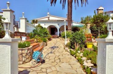achat maison empuriabrava avec amarre, villa 208 m² avec amarre, terrain 747 m², vue canal