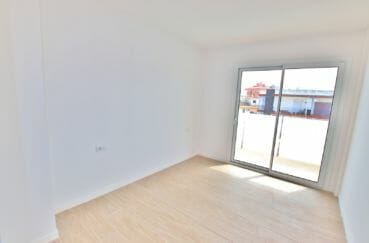 appartement a vendre a rosas, de 72, 83 ou 93 m², salon/séjour avec terrasse