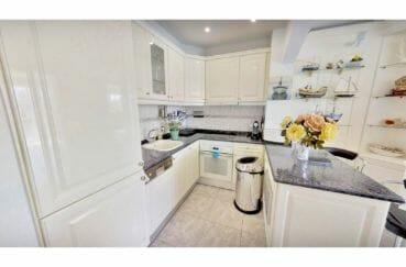maison a vendre empuriabrava, 5 pièces 122 m², cuisine américaine aménagée et équipée