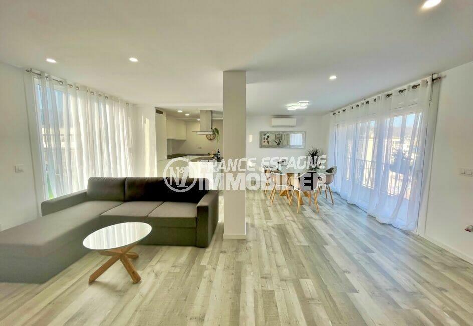 achat appartement costa brava, 4 pièces 65 m², spacieux salon / séjour avec cuisine ouverte