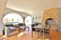 rosas immo: villa 336 m² avec amarre, salon/séjour avec vue canal