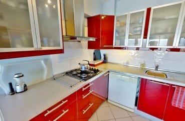 acheter a rosas: villa 4 pièces 119 m², cuisine rouge et blanche, aménagée et équipée