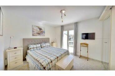 maison empuriabrava, 5 pièces 122 m², suite parentale, lit double, belle penderie