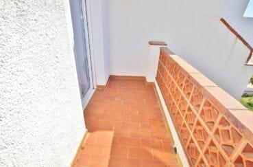rosas immo: villa 74 m² avec 2 chambres, terrasse dans la 1° chambre