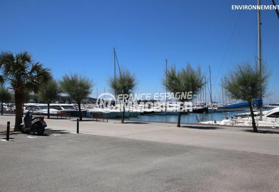 le port de plaisance de roses avec ses magnifiques bateaux