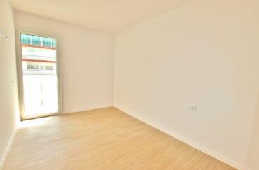 acheter appartement rosas, de 72, 83 ou 93 m², chambre, porte fenêtre menant sur terrasse