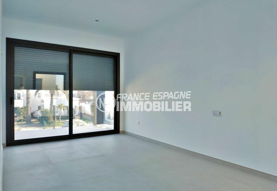 maison à vendre empuriabrava, villa 200 m² avec amarre, chambre à coucher avec terrasse
