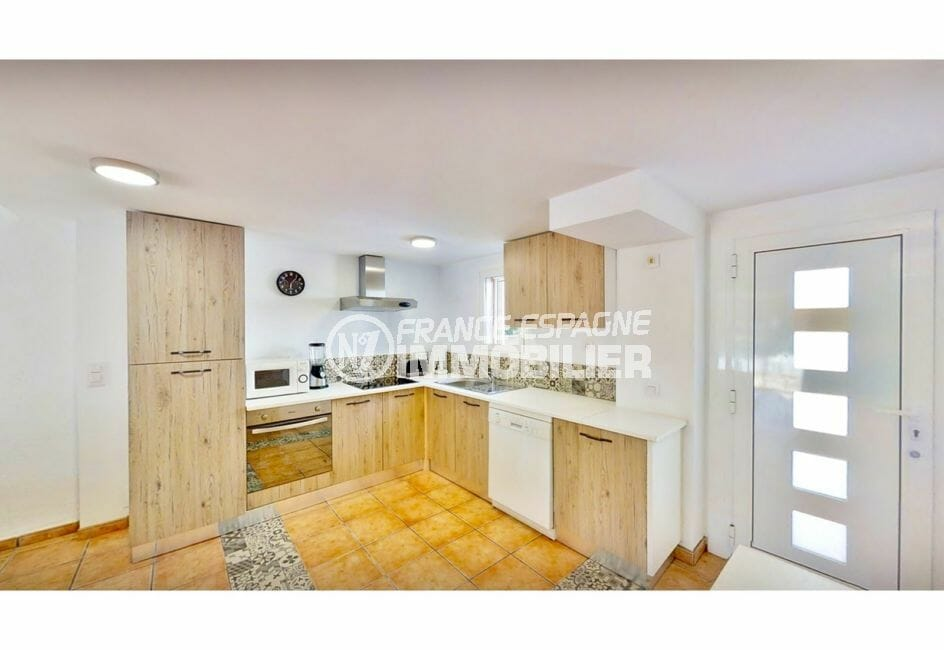 maison a vendre espagne, villa 132 m² avec amarre, cuisine ouverte aménagée et équipée
