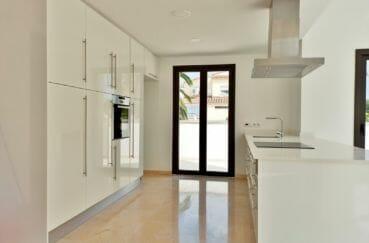 vente immobilière costa brava: villa 5 pièces 185 m², cuisine moderne aménagée et équipée