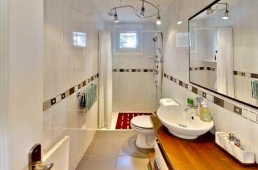 immo center rosas: villa 4 pièces 119 m², salle d'eau avec douche et wc