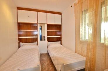 maison a vendre a rosas, 2 chambres 84 m² solarium, 2° chambre avec tête de lit rangements