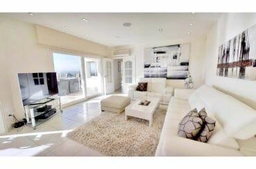 achat villa espagne costa brava, villa de 480 m², salon donnant sur terrasse, climatisation