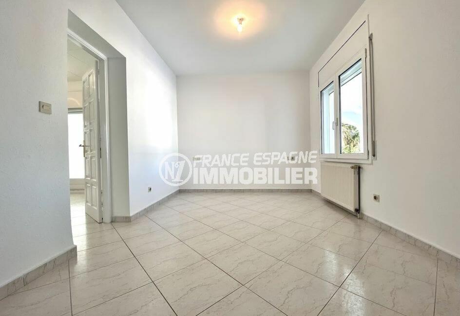 maison a vendre a empuriabrava, 4 pièces 128 m², chambre à coucher, éclairage plafond