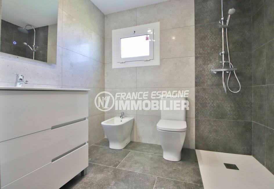 vente immobiliere rosas espagne: appartement 4 pièces 65 m², 1° salle d'eau, douche à l'italienne