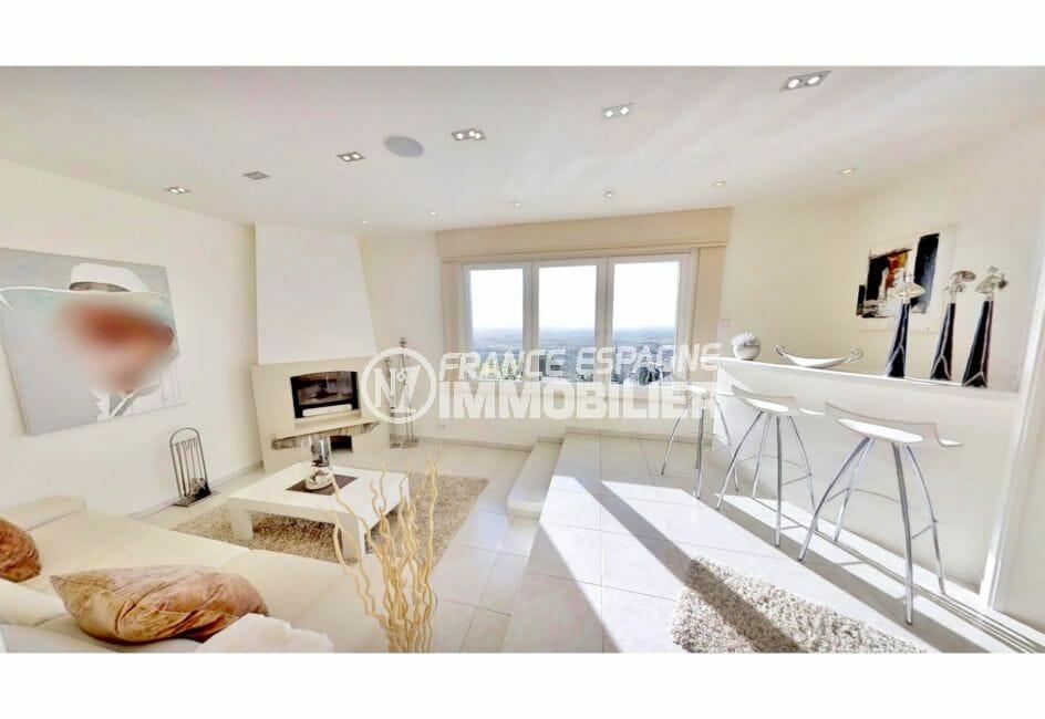 vente maison costa brava, villa de 480 m², salon avec cheminée, bar