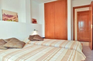 immobilier costa brava vue mer: appartement 3 pièces 93 m², 2° chambre, armoire encastrée