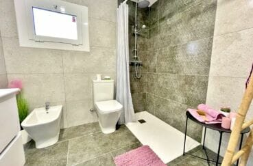 acheter appartement rosas, 4 pièces 65 m², salle d'eau avec douche et wc