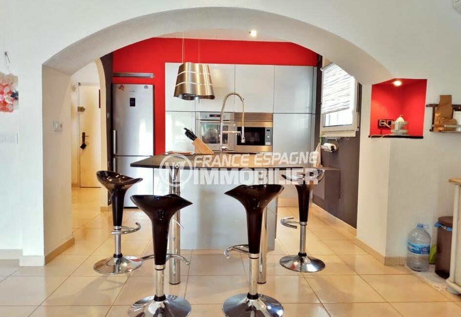 achat maison empuriabrava espagne, villa 208 m² avec amarre, cuisine américaine alénagée et équipée