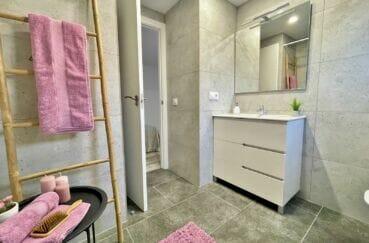 appartement à vendre rosas, 4 pièces 65 m², salle d'eau moderne avec douche