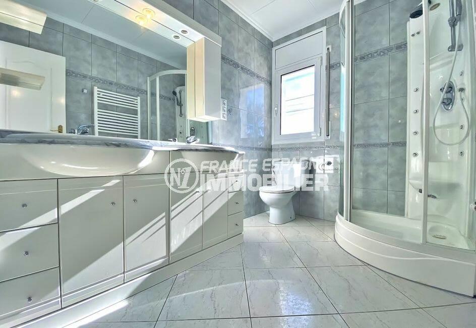 maison a vendre empuria brava, 4 pièces 128 m², salle d'eau avec douche et wc