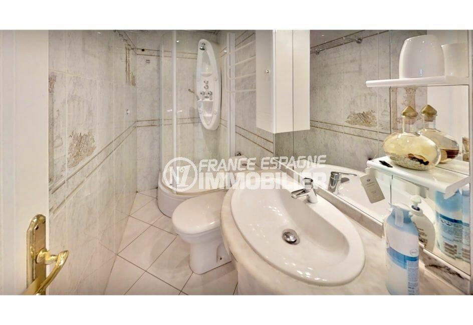 vente immobiliere costa brava: villa 5 pièces 122 m², 2° salle d'eau, douche et wc