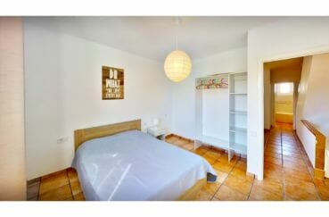 empuriabrava immo: villa 132 m² avec amarre, chambre, lit double, armoire penderie