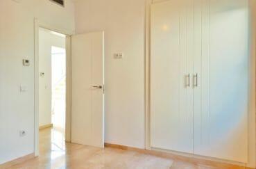 immo empuria: villa 5 pièces 185 m², chambre avec armoire / penderie encastrée
