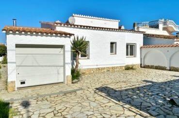 maison a vendre espagne, 4 pièces 128 m², garage et parking cour intérieure