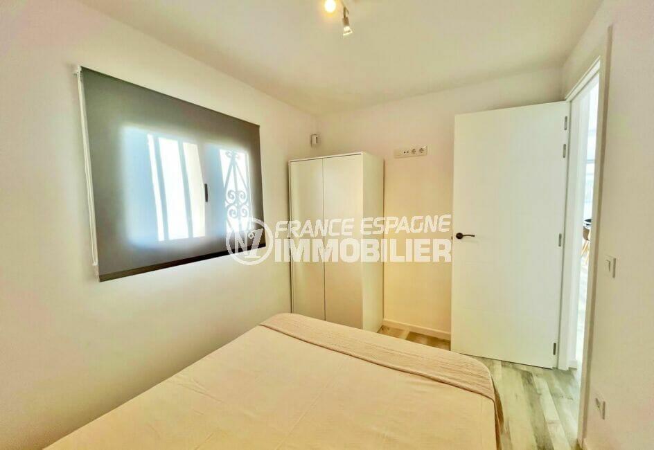 la costa brava: appartement 4 pièces 65 m², chambre à coucher aevc plafonnier
