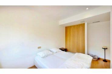 rosas immo: appartement 5 pièces 136 m², chambre à coucher avec penderie, climatisation