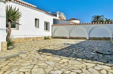 la costa brava: villa 4 pièces 128 m², parking cour intérieure pour 3 voitures
