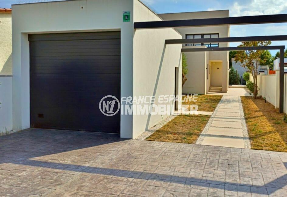 maison empuriabrava, 5 pièces 185 m², garage 19 m² et parking cour intérieure