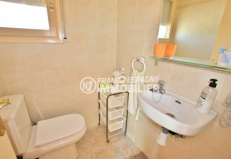 immo center roses: illa 336 m² avec amarre, wc indépendant
