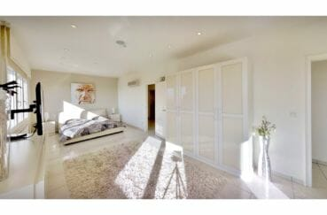 maison a vendre espagne bord de mer, villa de 480 m², chambre lumineuse, penderie, climatisation