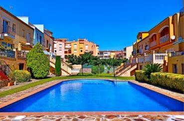 empuriabrava maison a vendre, villa 5 pièces 176 m², piscine communautaire