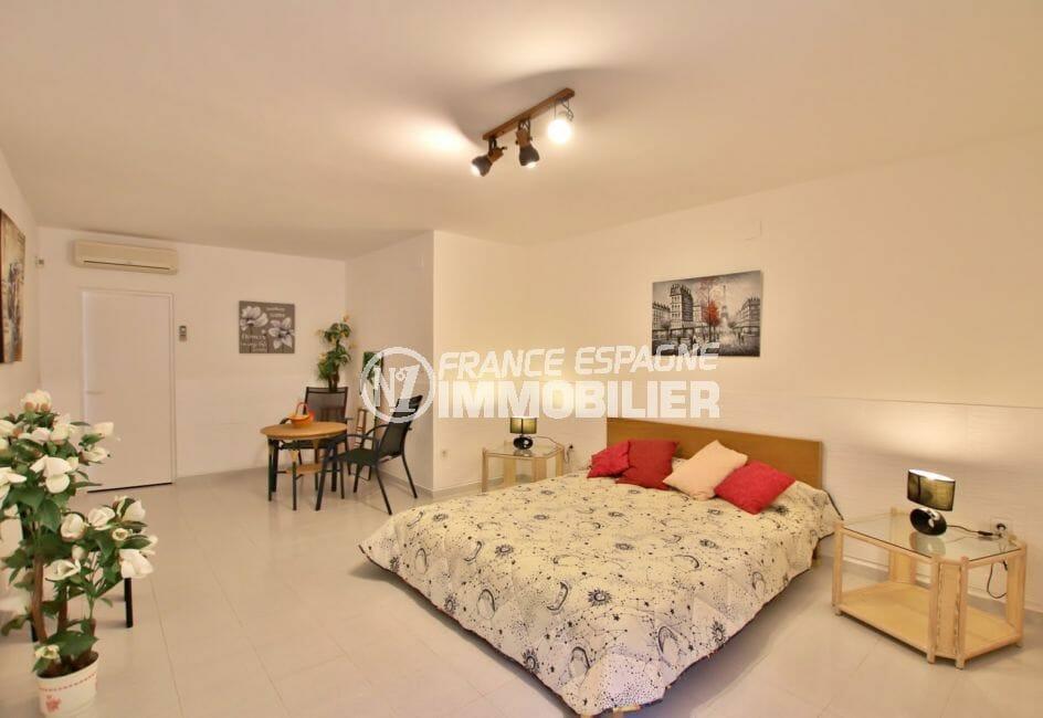 acheter maison costa brava, villa 366 m², chambre à coucher, lit double, climatisation