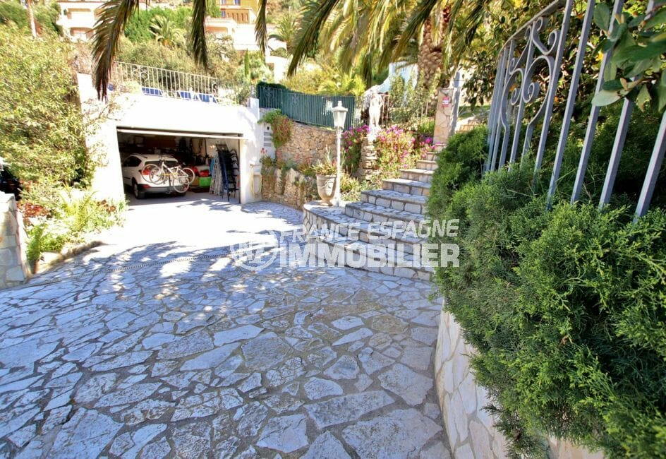 maison a vendre espagne bord de mer, villa 366 m², garage de 44 m² et parking cour intérieure