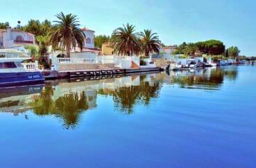 vente immobilier costa brava: villa 208 m² avec amarre, vue sur le canal, exposition sud/est