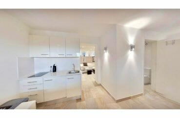 vente immobiliere espagne costa brava: villa de 480 m², appartement indépendant, cuisine aménagée